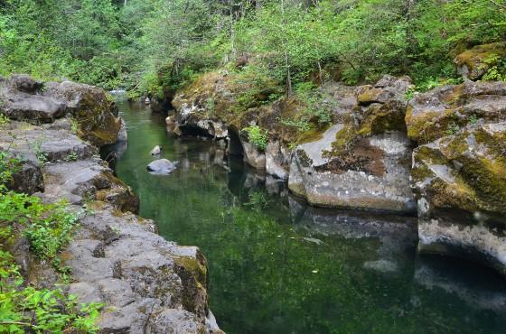 takhlak lake wind river swimming hole